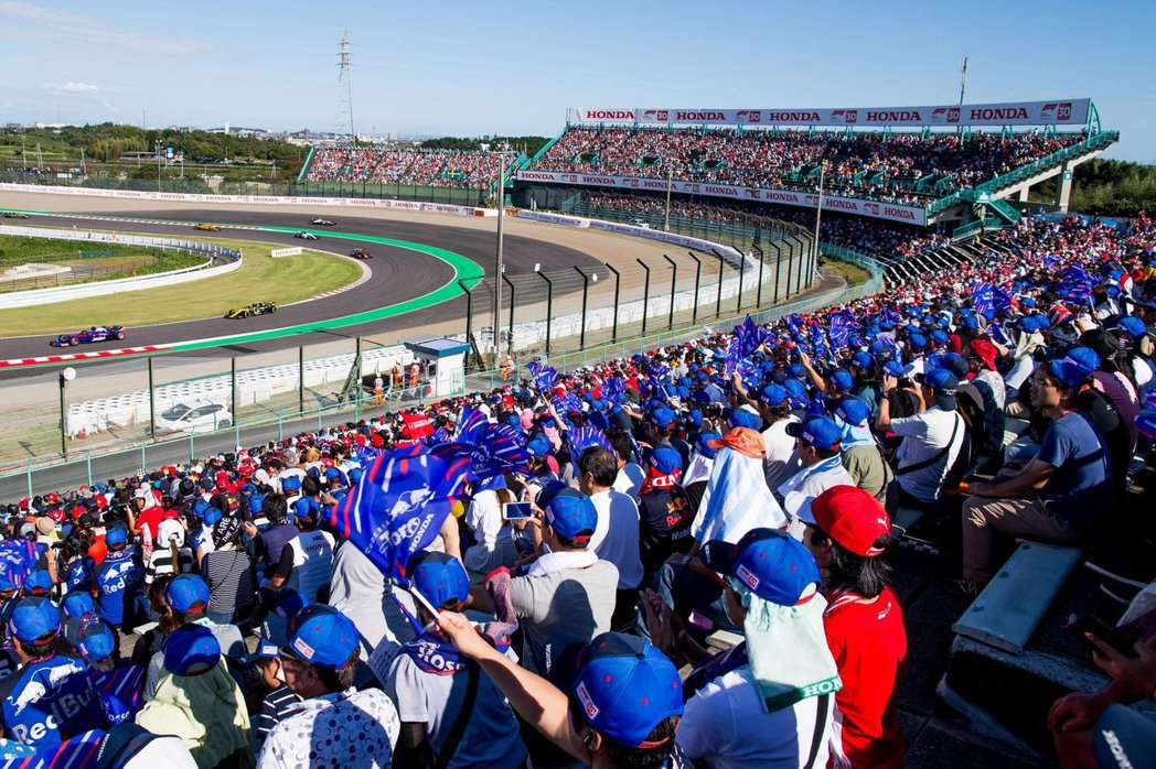 由於Toro Rosso是唯一採用Honda動力的一隊,所以在日本當地也有許多支持者。 摘自Toro Rosso