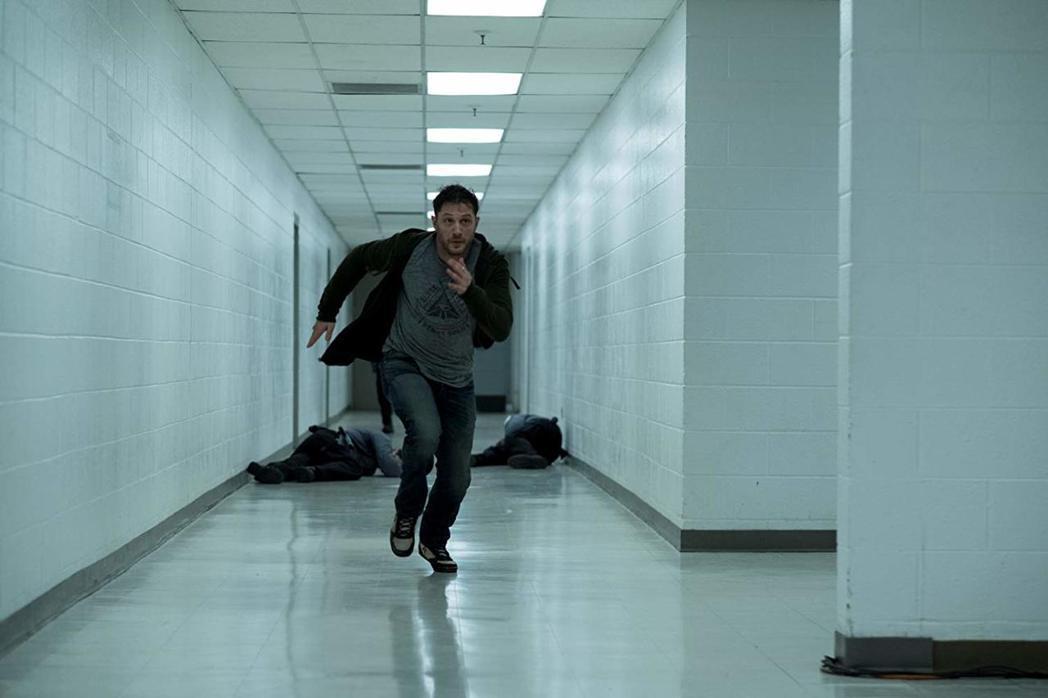 湯姆哈迪主演的「猛毒」有機會繼續穩坐票房冠軍。圖/摘自imdb