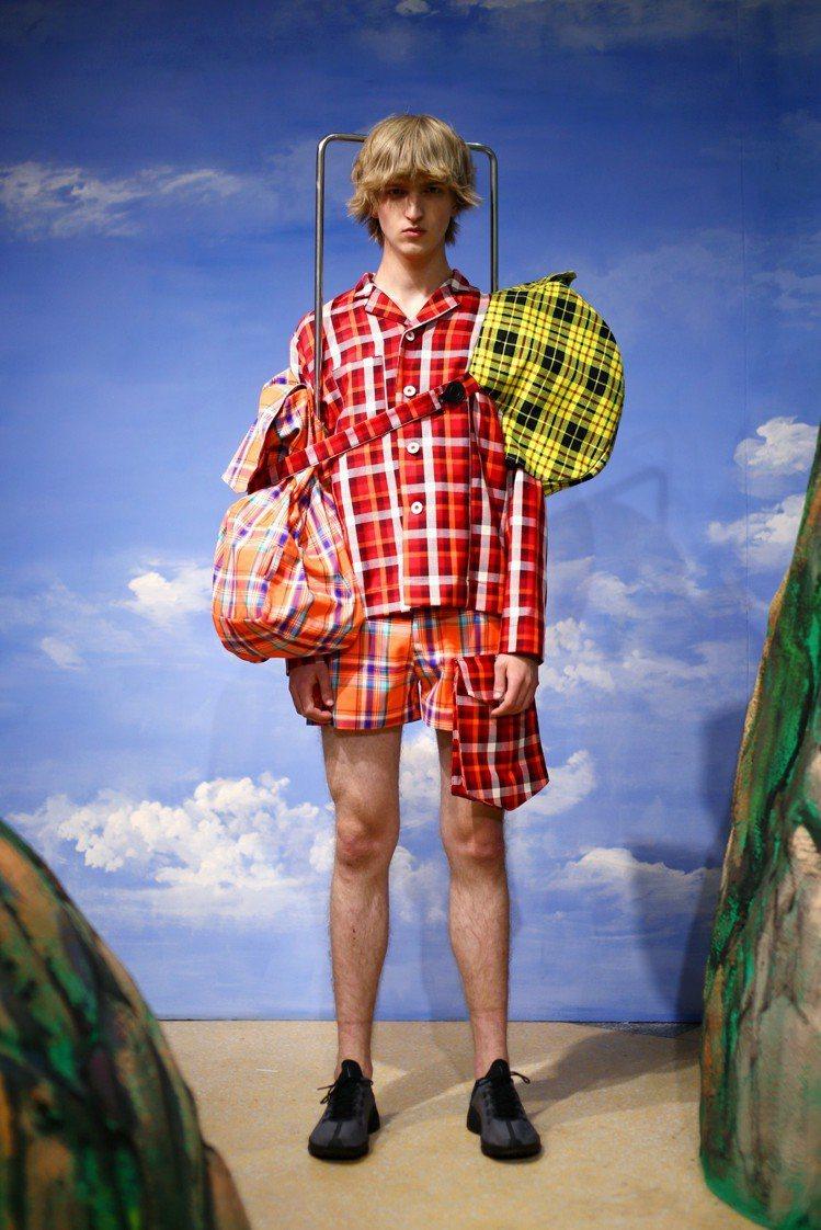 台灣阿公阿嬤的服裝成為2019春夏靈感來源。圖/ANGUS CHIANG提供