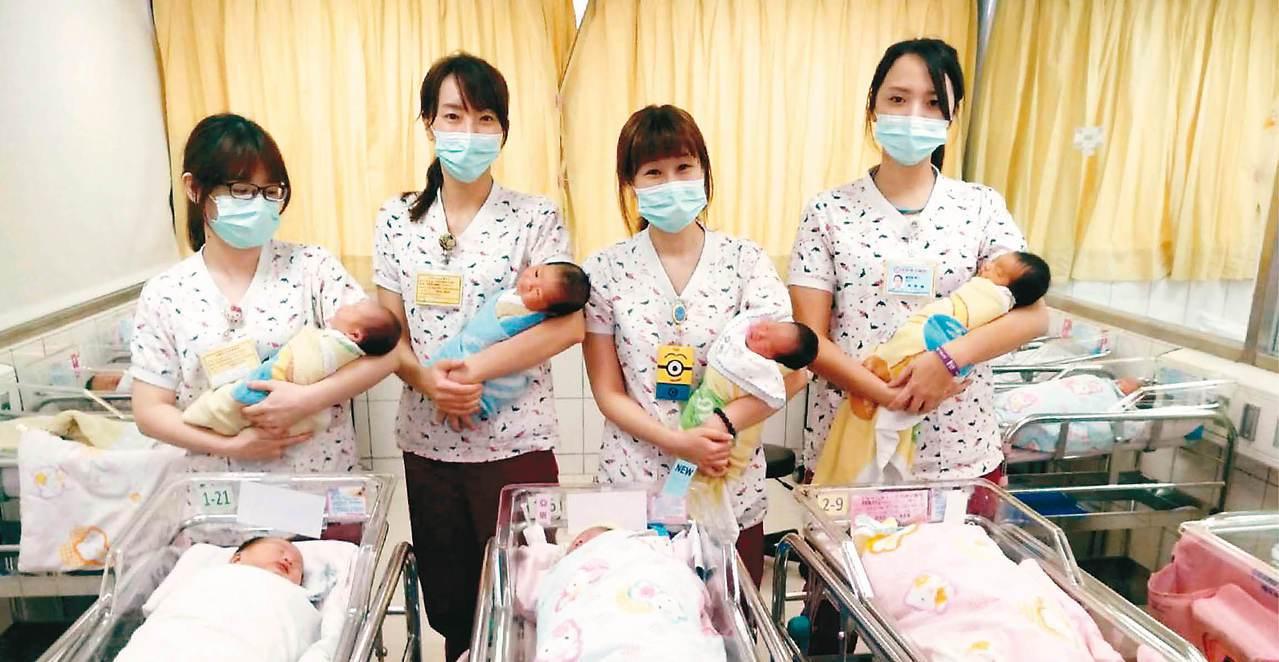 桃園市中壢區宏其婦幼醫院,昨共有9位國慶寶寶誕生。 記者許政榆/攝影