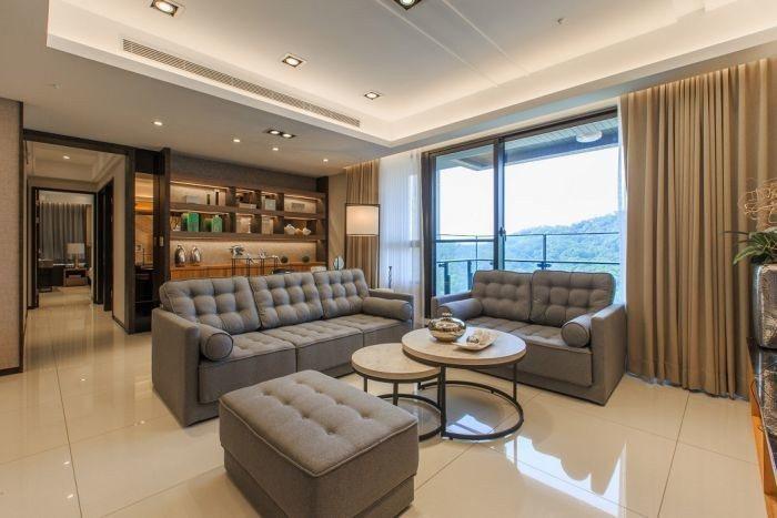 【長虹陶都】56坪的戶型格局方正通透,大面窗的開闊視野,空間更顯質感大氣 圖...