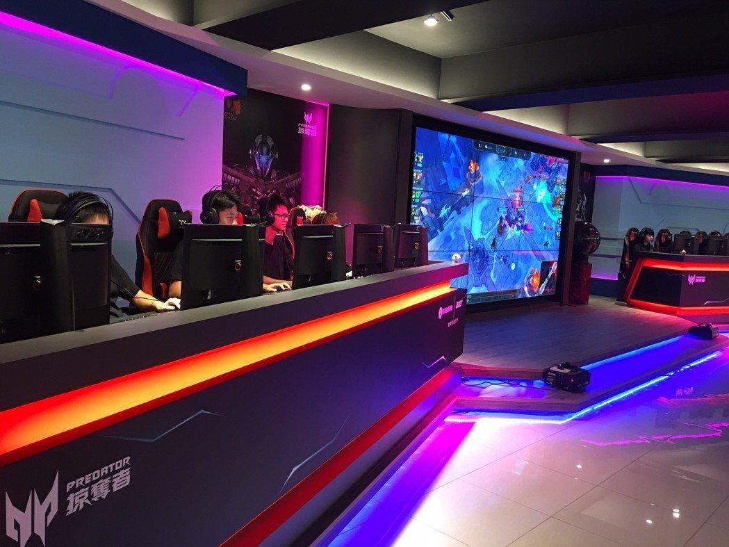 黎明技術學院-電競與遊戲設計中心」耗資千萬。 宏碁/提供
