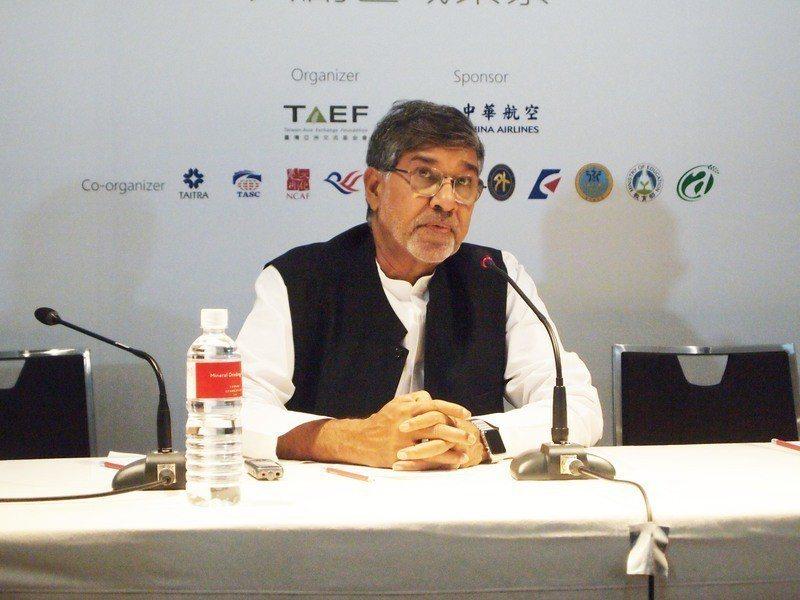 諾貝爾和平獎得主沙提雅提11日來台出席玉山論壇,並發表主題演講,傳達重視兒童權利...