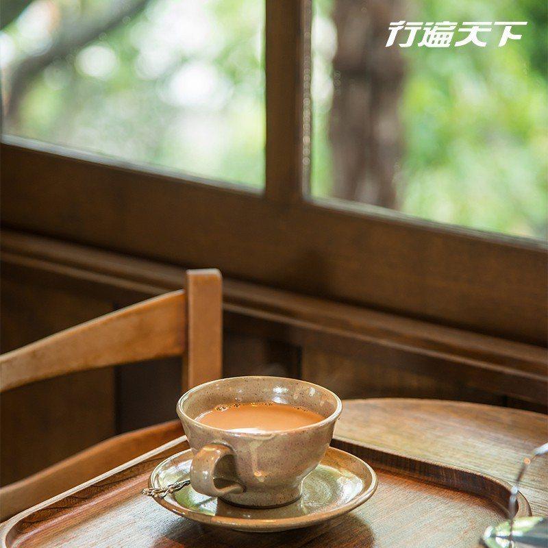 最喜歡角落|主屋旁的真古館咖啡,原為車庫,經改建於2007年開幕。揉合日式與歐式...