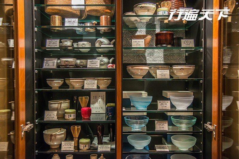店內也設有精選的茶壺、茶杯、茶具等商品販售  攝影|行遍天下