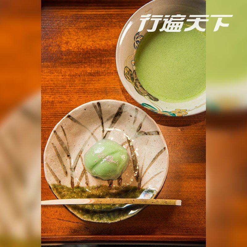 抹茶與菓子的組合細細品味京都人享受至極的抹茶文化。  攝影|行遍天下