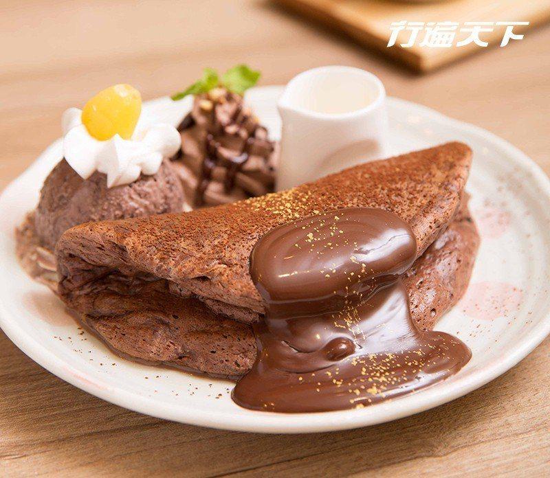 濃の巧克力冰淇淋鬆餅|從餡料到巧克力鮮奶油,都採用最高級莊園所生產可可豆的法國法...