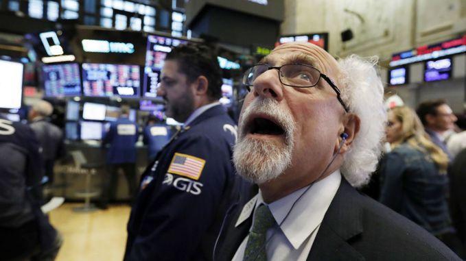 那斯達克綜合指數大跌4.1%,是美股崩跌風暴中心。 美聯社