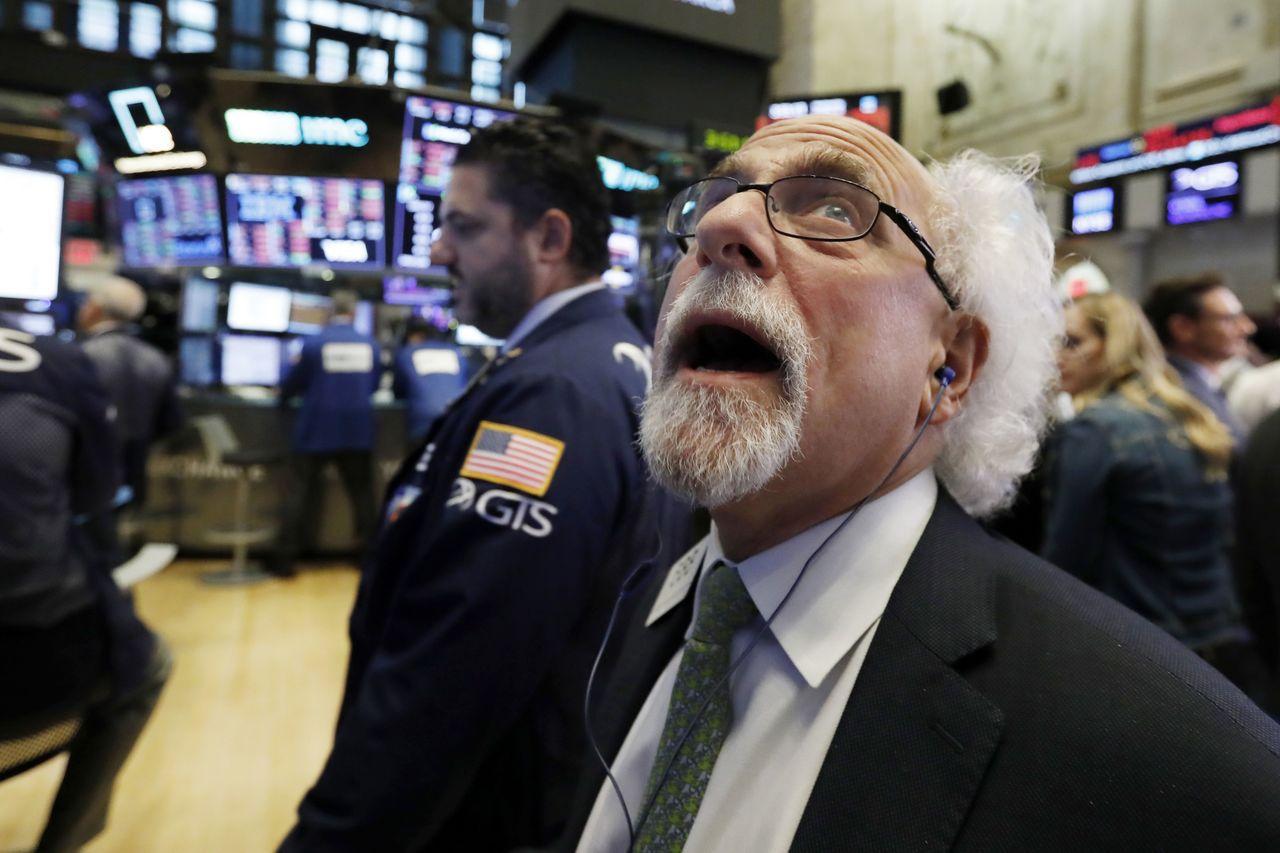 那斯達克綜合指數大跌4.1%,是美股崩跌風暴中心。美聯社