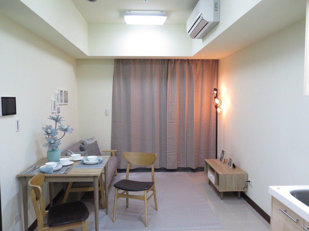中路二號樣品屋一房型。記者張裕珍/攝影
