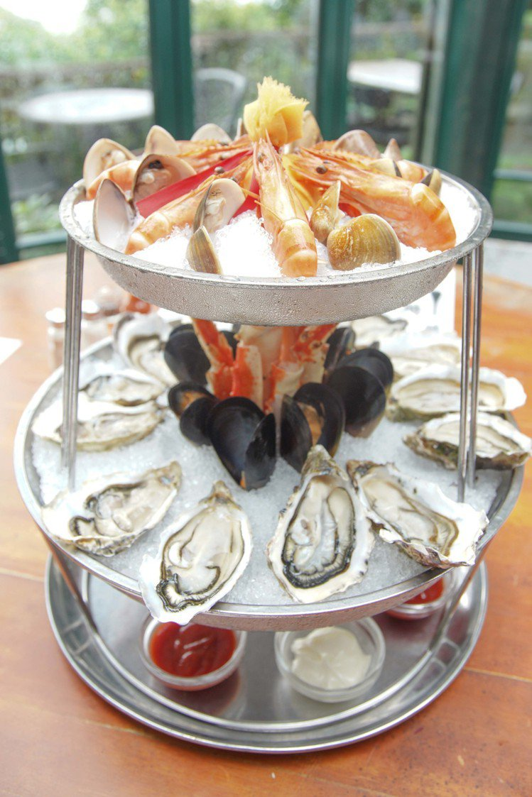 包括東南亞的美食、海產料理,都是太平山餐廳的經典菜色。圖/香港旅遊發展局提供