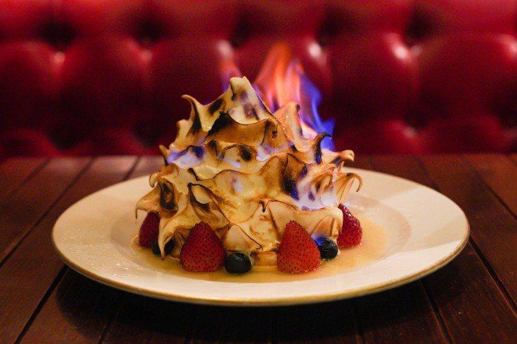 饒富特色的阿拉斯加火焰雪山,是占美的代表菜色。圖/香港旅遊發展局提供