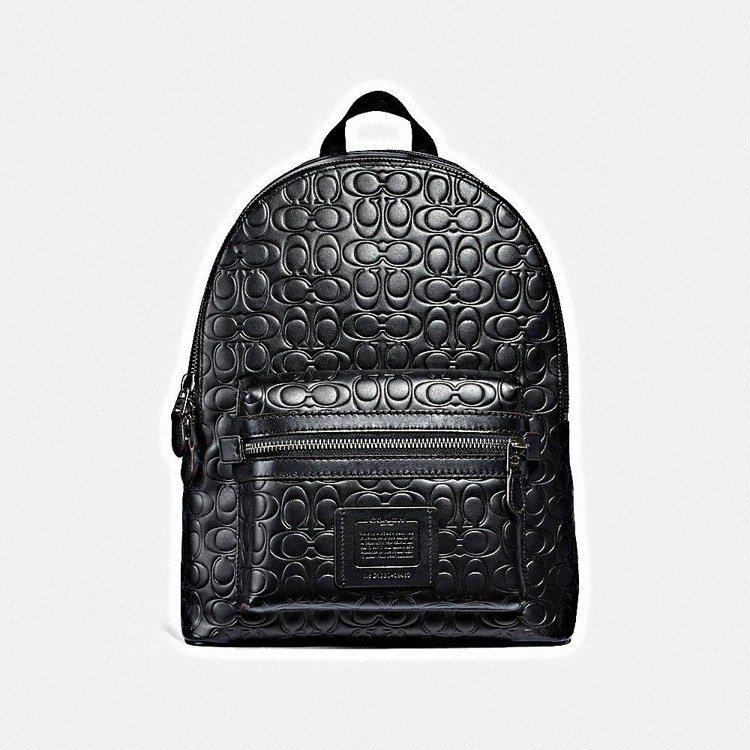 Signature C後背包,售價25,800元。圖/COACH提供