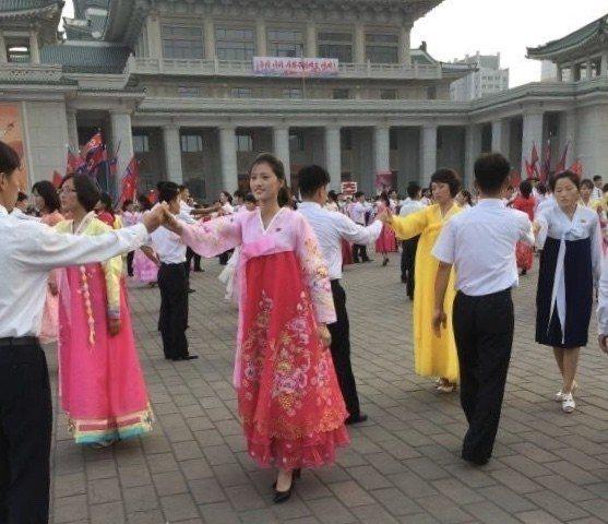 金日成廣場是北韓人民舉辦活動的重要場地。圖/朝鮮民族遺產國際旅行社提供