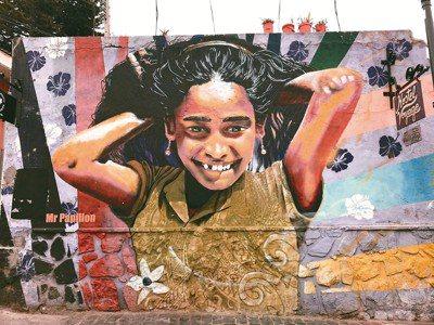 智利小鎮Valparaiso的街頭噴畫。圖/葉一南(「亞洲五十最佳餐廳」,香...