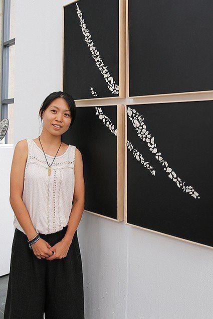 李婉萍的《疤-系列》是她背上因開刀而留下的兩道疤痕。 陶博館/提供