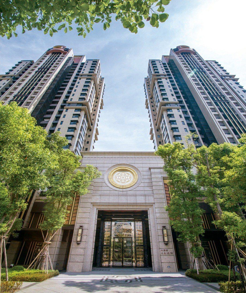 「香榭園」是遠雄左岸最大的豪宅建案,吸引許多台北市專業經理人、醫生、退休族、企業...