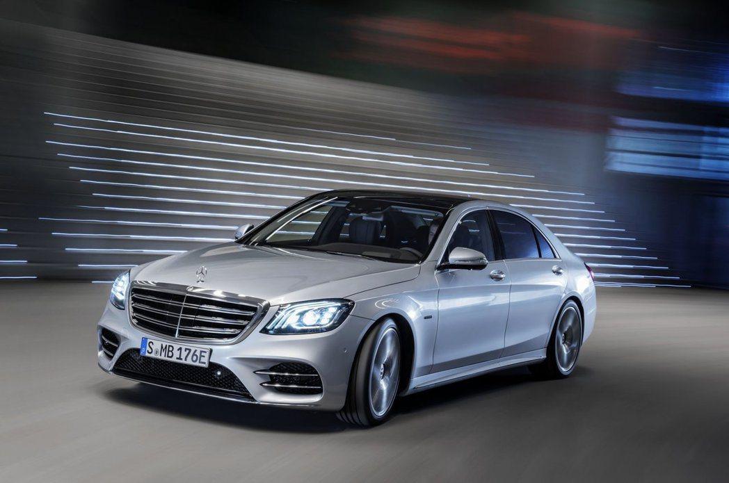 Mercedes-Benz S560e。 摘自Mercedes-Benz