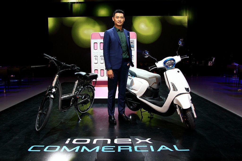 台灣二輪銷售龍頭光陽機車今年積極佈局電動機車市場,現在針對商用市場推出更適切的「Ionex車能網商業版」。 記者張振群/攝影