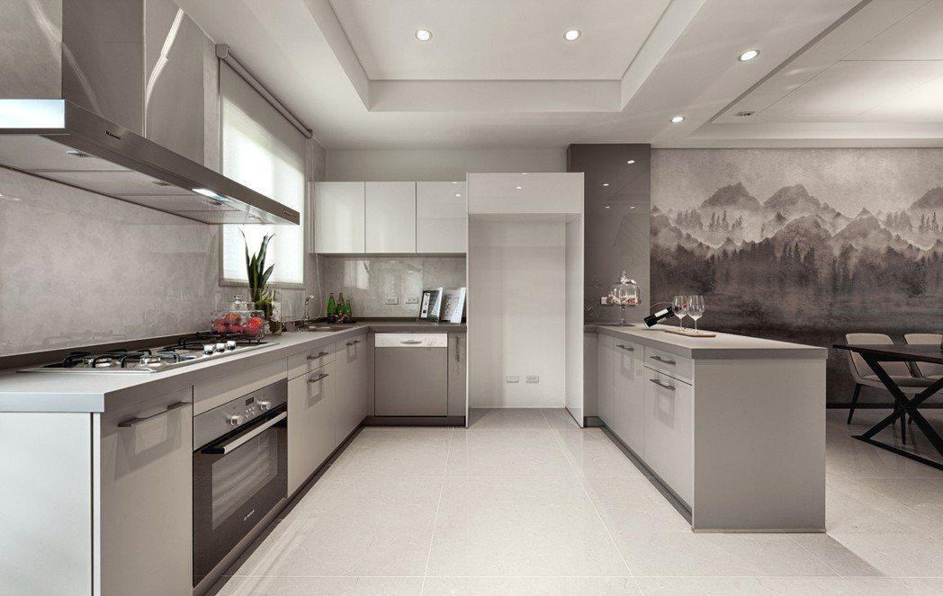 廚房~高級進口廚具、寬敞的調理空間並配備烤箱和洗碗機。 圖片提供/誠佑實業