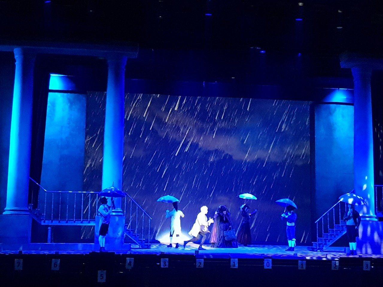 法文音樂劇「搖滾莫札特」,11日晚於台北和平籃球館首度登台。記者陳宛茜/攝影