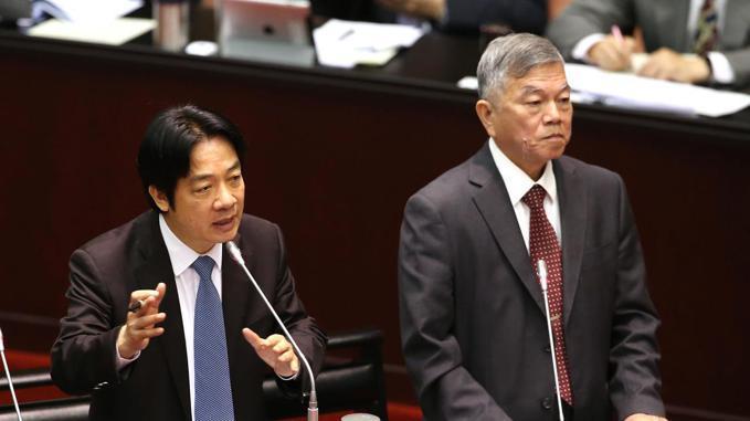 行政院長賴清德(左)與經濟部長沈榮津(右)。 記者林澔一/攝影