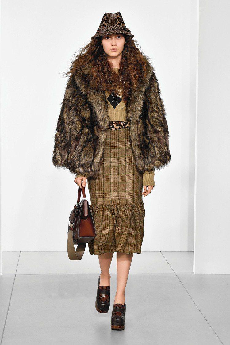 吳謹言款的MICHAEL KORS Collection系列裙裝。圖/MICHA...