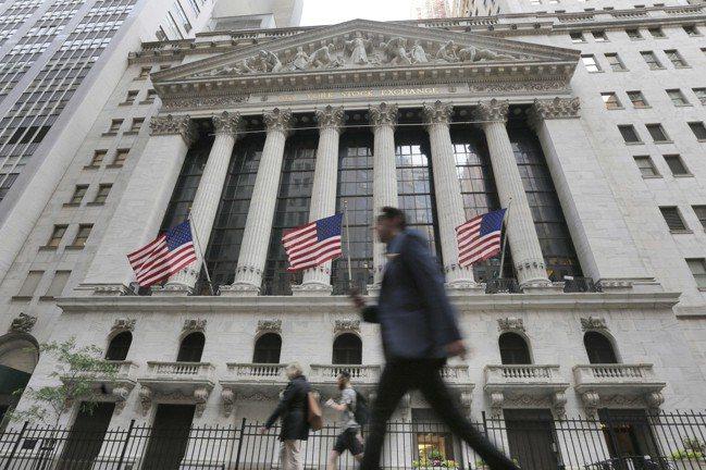 美國三大指數期指今(12)日全數上揚,美股今晚有望止跌?  美聯社
