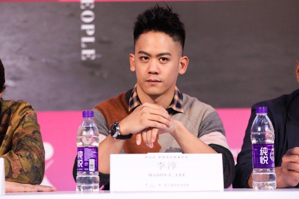 李淳僅28歲,就獲得賈樟柯肯定,擔任第二屆平遙電影節評審。圖/星城娯樂提供