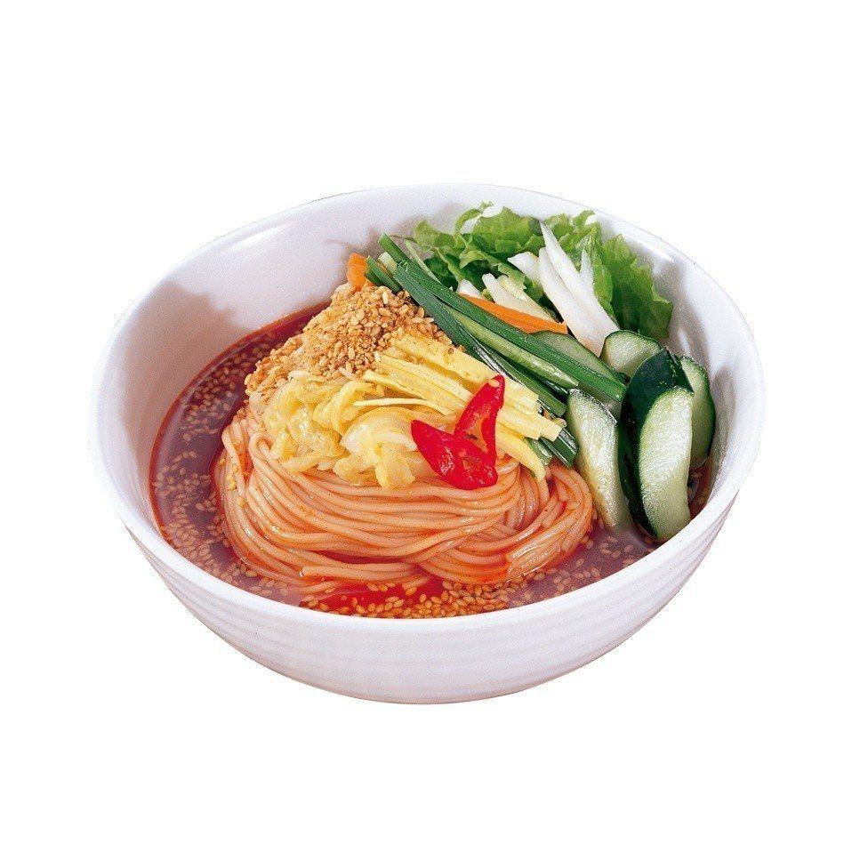 新光三越台北南西店一館,笑談麵館韓式辣拌麵售價195元。圖/新光三越提供