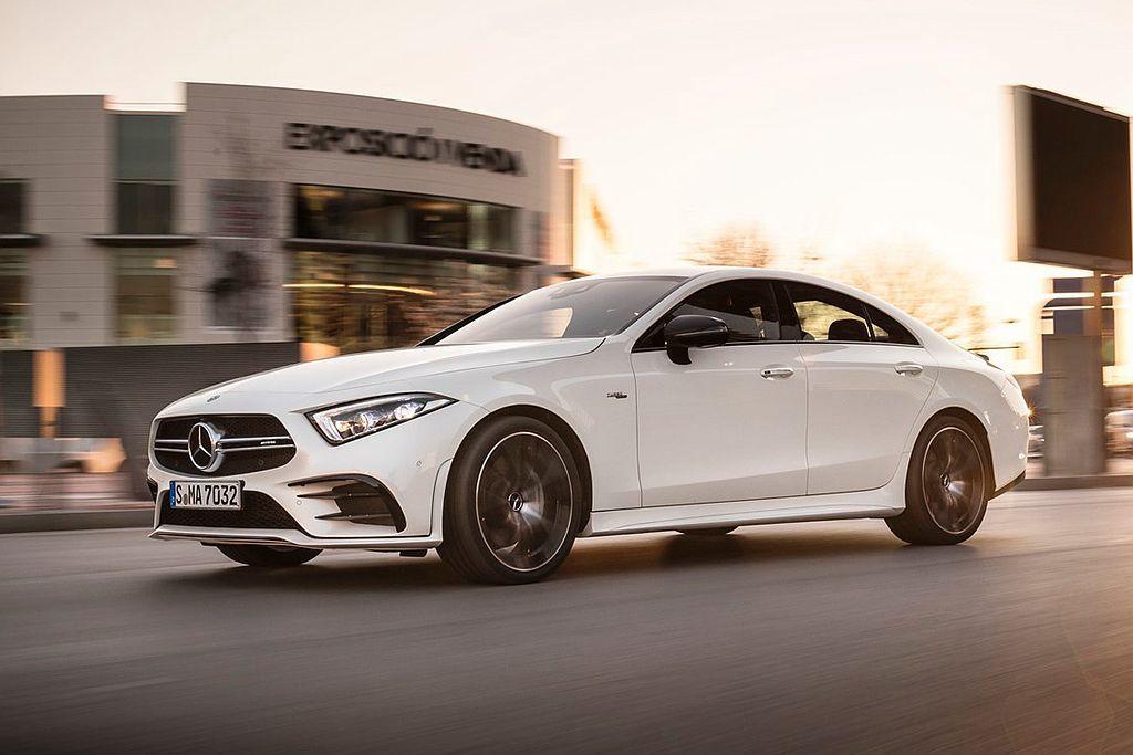第三代賓士CLS在台灣提供兩種動力車型規格,CLS 350售價為399萬元、Mercedes-AMG CLS 53 4Matic+則為535萬元起。 圖/Mercedes-Benz提供