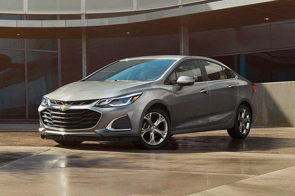 Chevrolet Cruze是排行榜中唯一搭載渦輪柴油引擎的車款,經過測試平均...