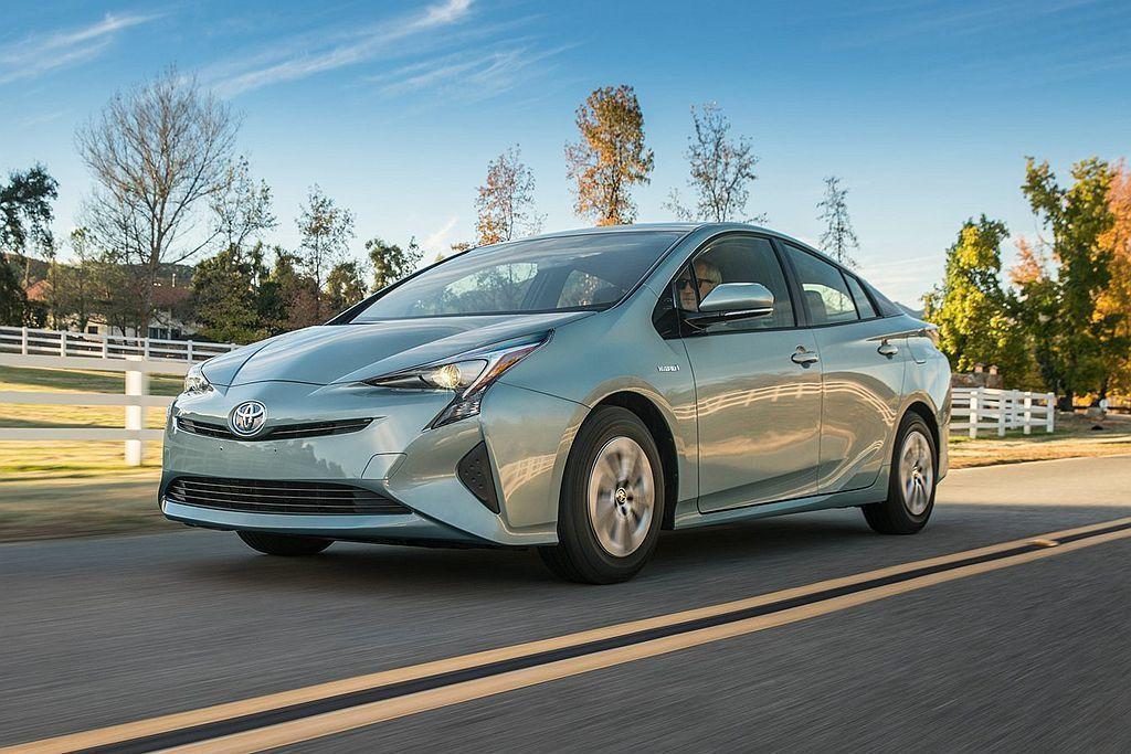 第四代Toyota Prius縱使已經問世三年,不過在美國消費者報告的油耗測試排...
