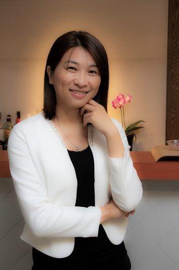 張瑋容創辦「好優數位」,專精於用好的商業文章加值品牌效益。 李唐峰