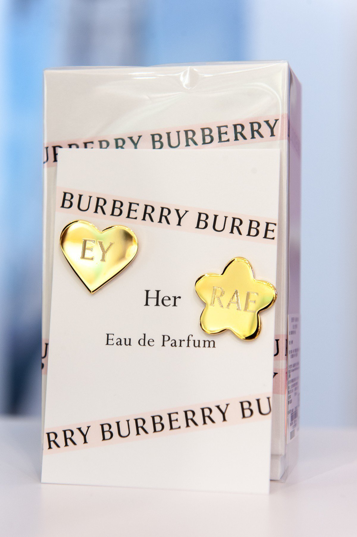 於Burberry HER迷你快閃店購買Burberry任一款香水(不含新品10...
