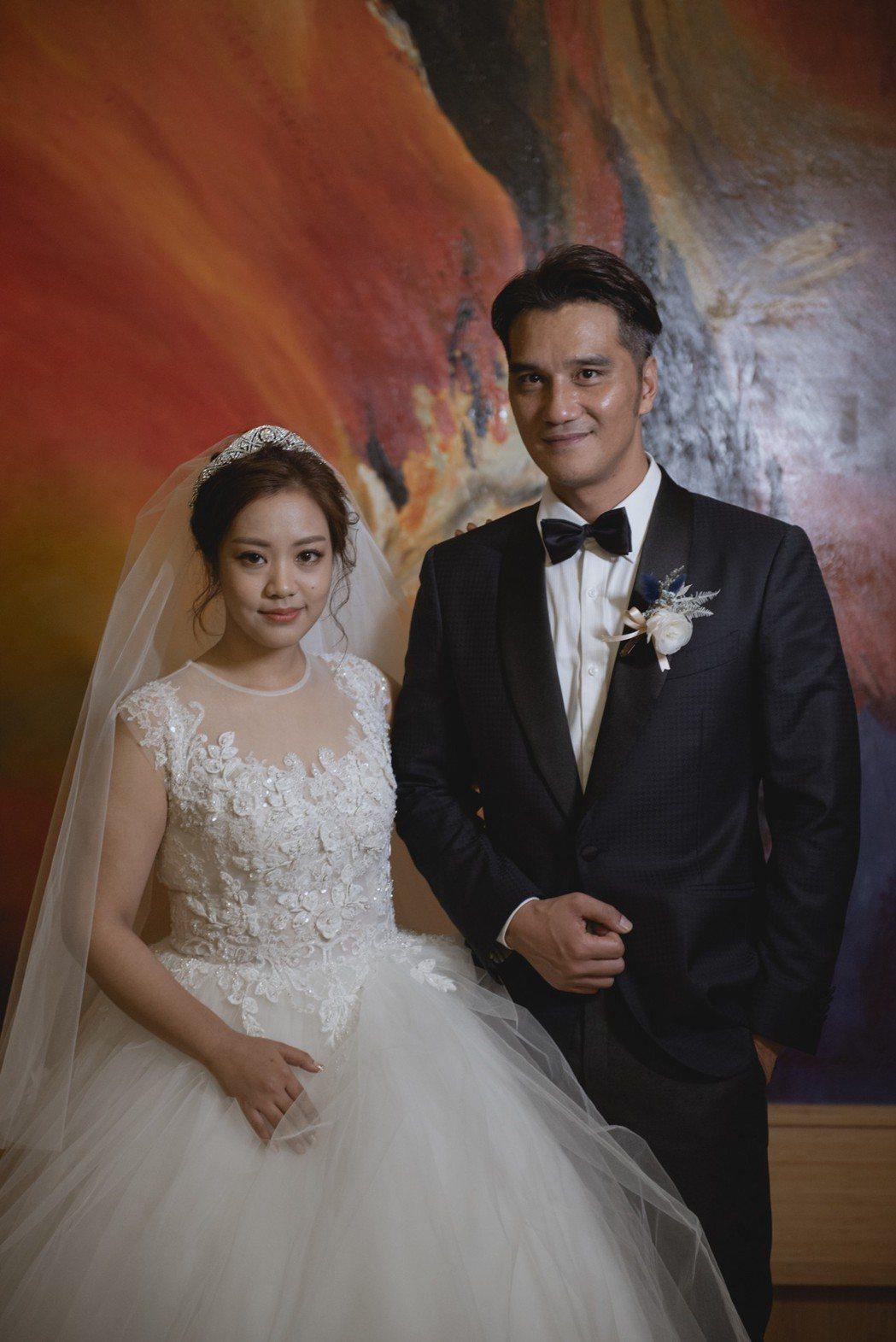 馬志翔和妻子盧悅婷婚禮穿上西式婚紗。圖/喜喜鵲影像工作室提供
