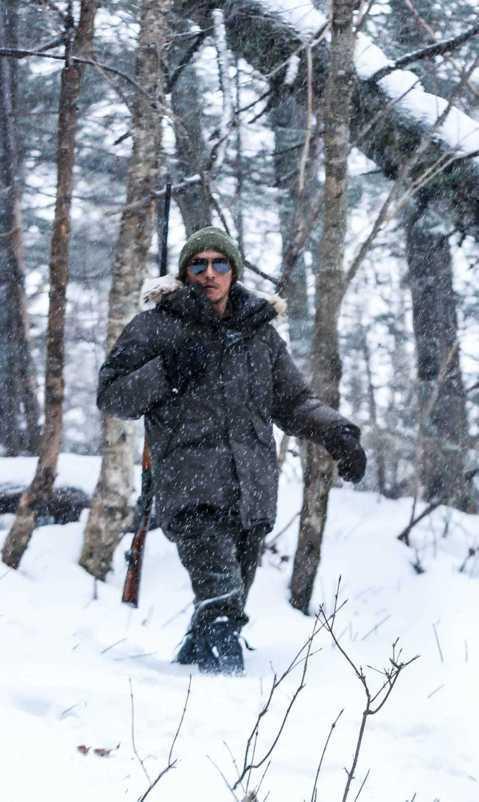 張震與大陸導演崔斯韋合作的新片「血暴」,勇奪釜山影展新浪潮單元大獎,和韓國片「Clean Up」同獲肯定。為此片在冰天雪地的長白山待了3個多月的他,表示替導演和其團隊開心,認為大家一起在艱困的環境下...