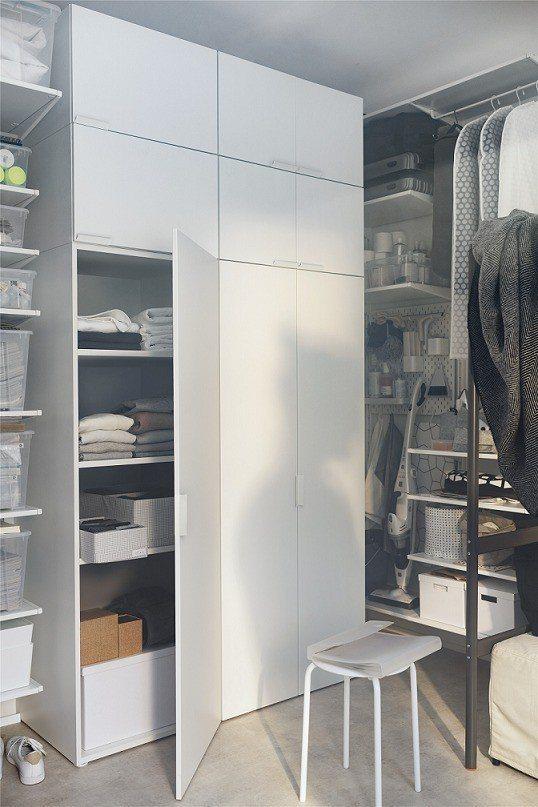 系統組合櫃可依照個人需求組合,搭配內部收納配件,客製化自己的衣櫥空間。圖/IKE...