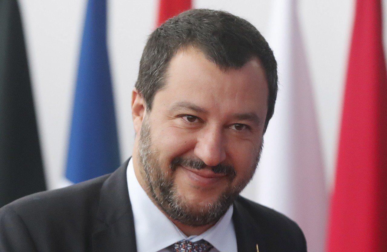 義大利副總理薩維尼提議修法,對少數族裔商家實施9點打烊的「宵禁」。(歐新社)