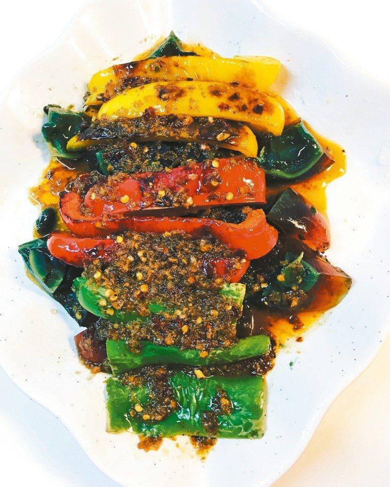 燒椒皮蛋 圖╱黃義書