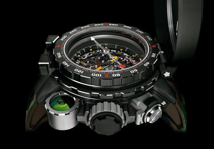 為了保持羅盤指針平穩,腕表4點鐘位置擁有綠色的液體水平儀,也增加視覺上的亮點。圖...