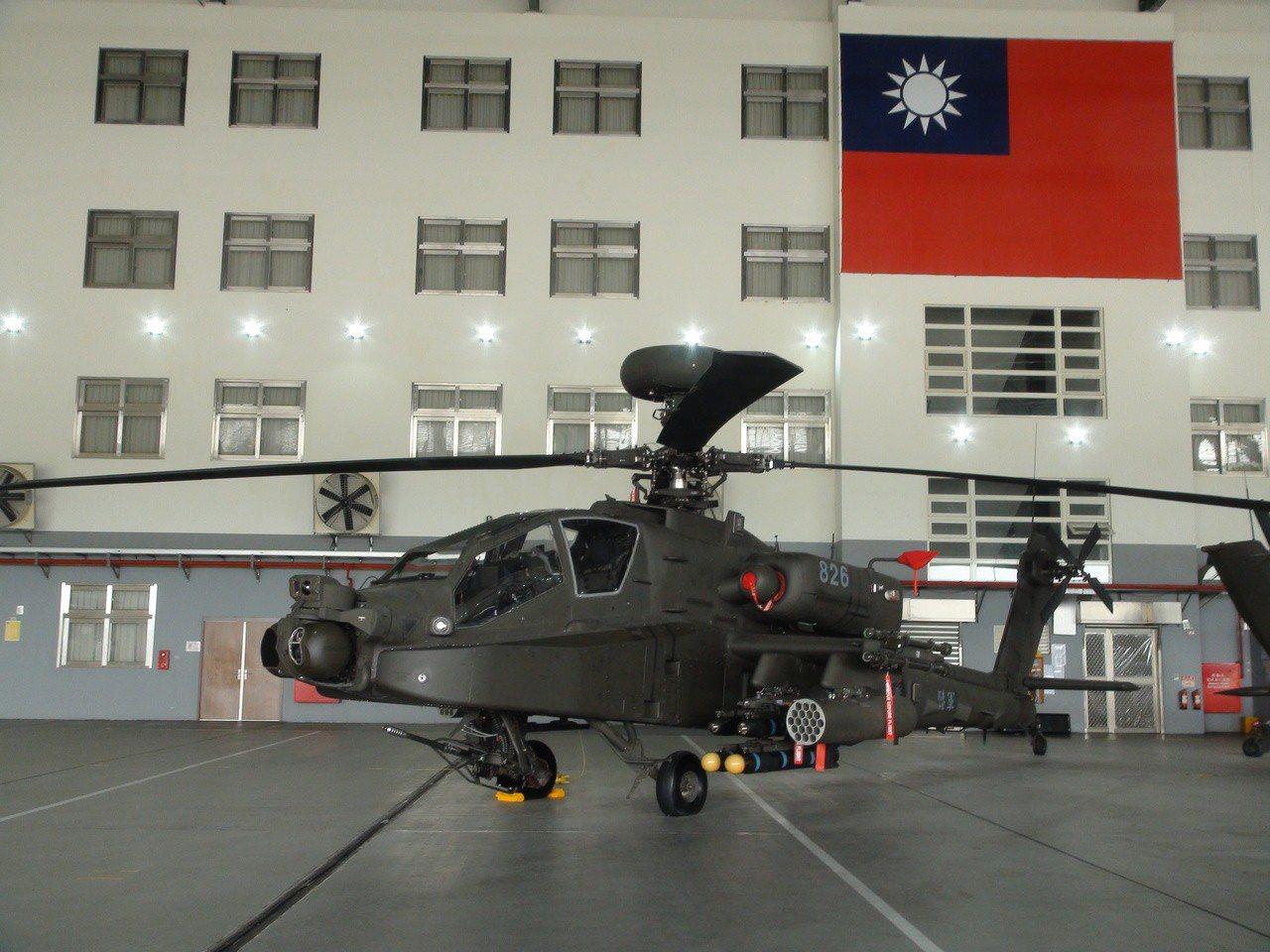 陸軍航特部AH-64E阿帕契攻擊直升機今年7月甫全戰備成軍,被揭露明年就要編9億...