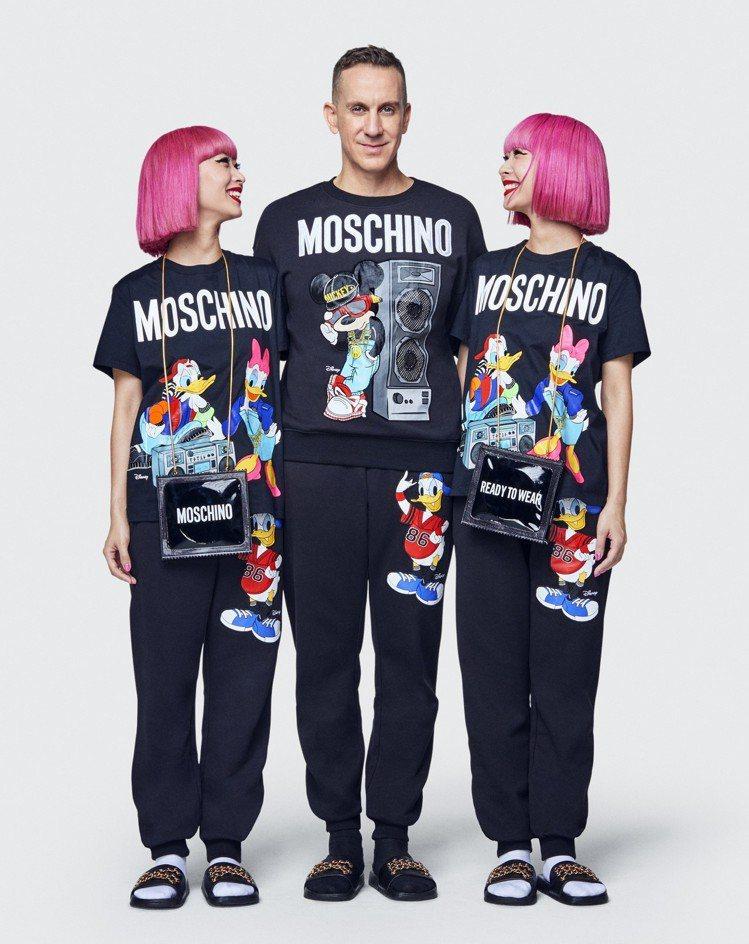 設計師Jeremy Scott(中)與日本雙胞胎潮流教主Amiaya一同演繹Mo...