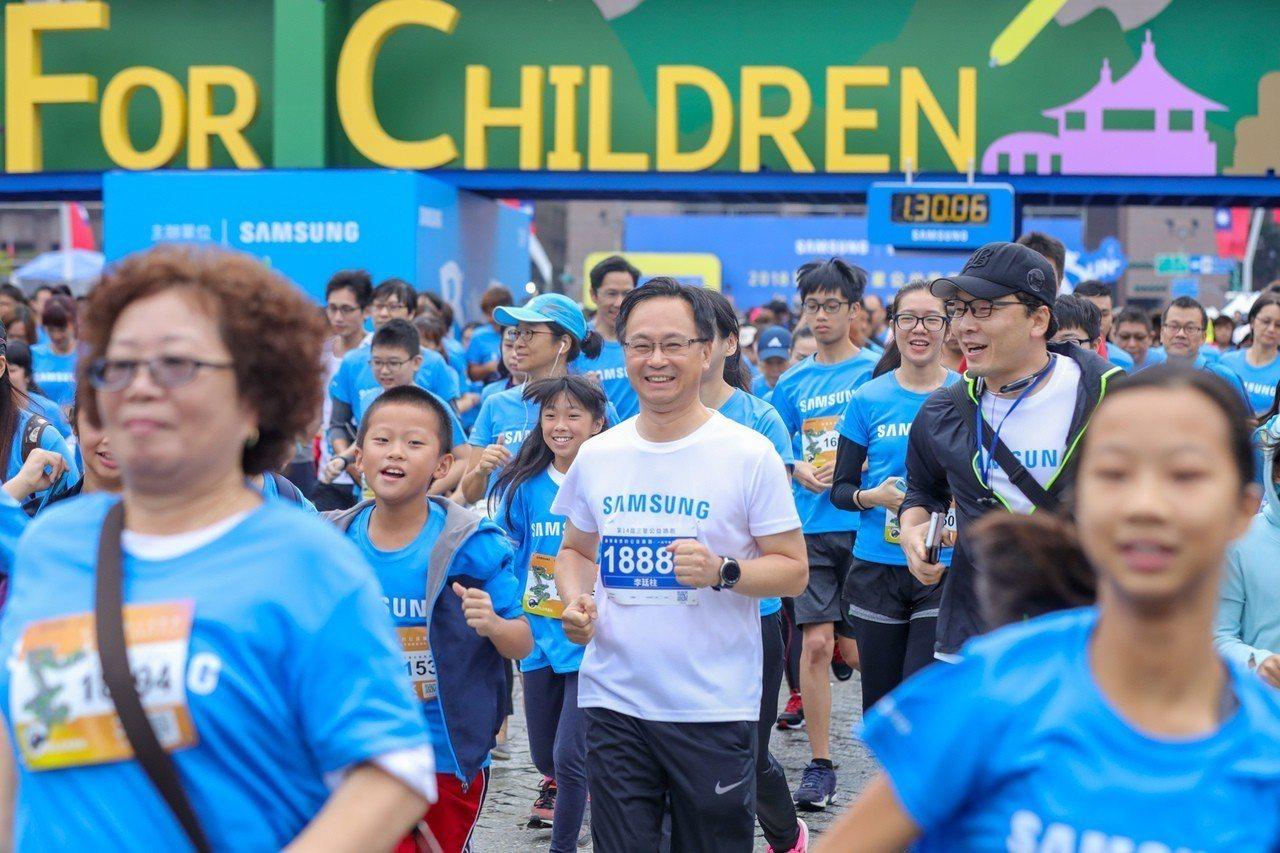 台灣三星電子總經理李廷柱領跑。 圖/台灣三星提供
