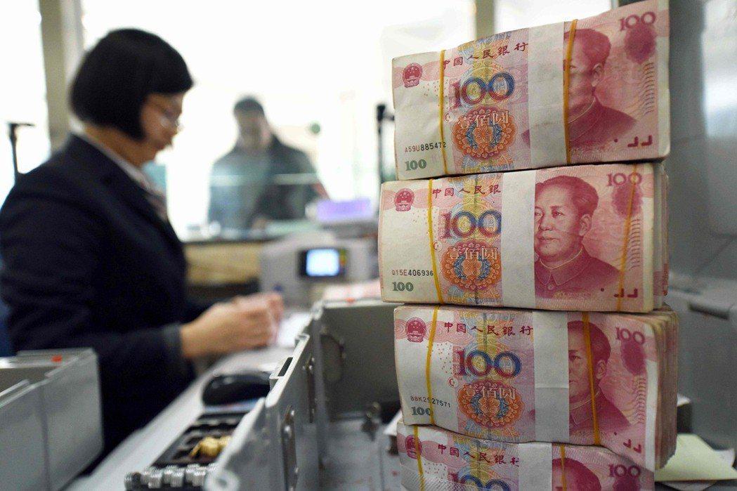 人民幣近期波動大,期交所推出的人民幣匯率期貨也再度受到市場重視。 圖/聯合報系資...