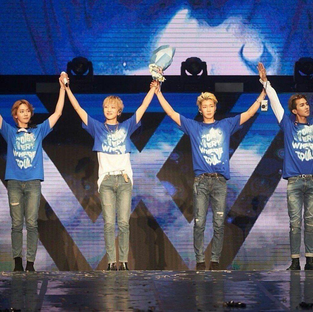 南韓男團WINNER昨日晚上在馬來西亞舉行巡迴演唱會,四人除了拿出看家本領表演外