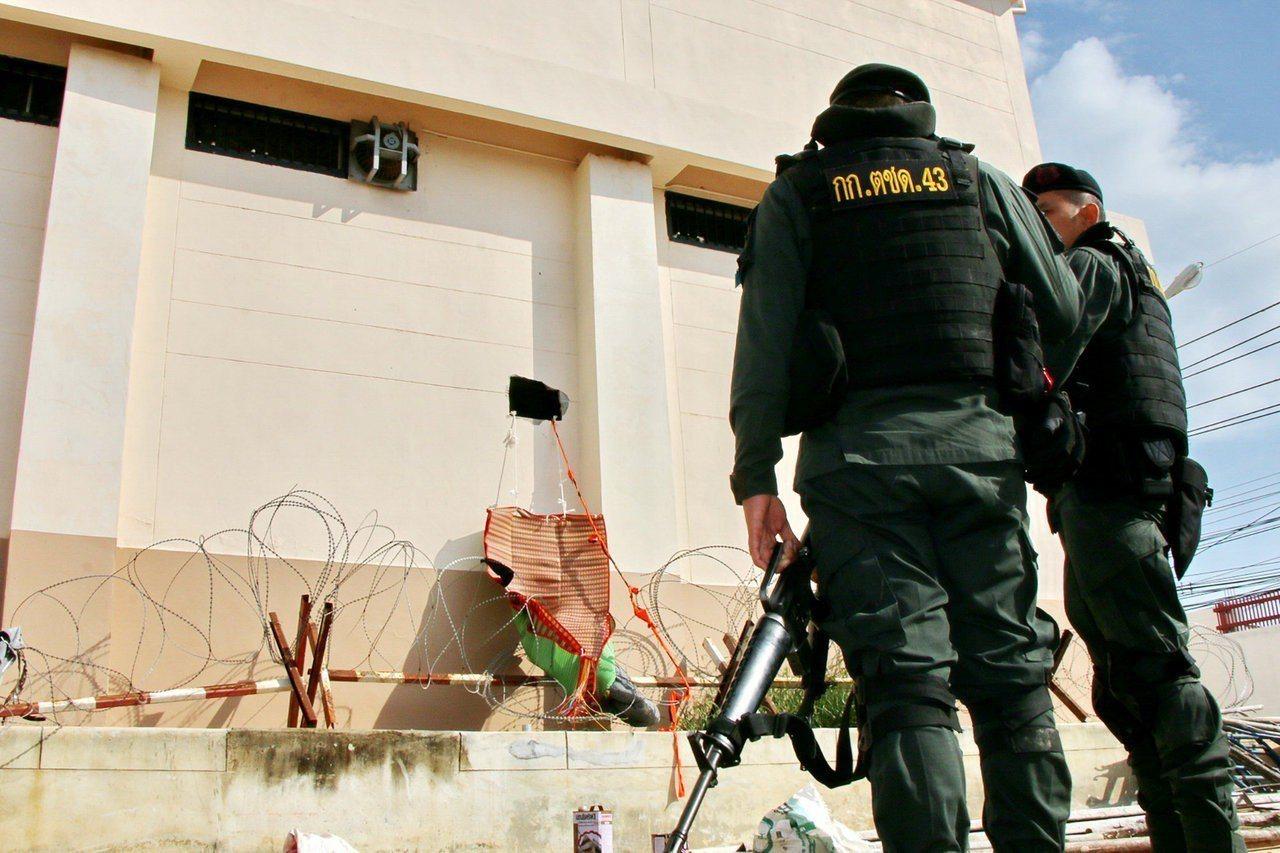 宋卡省的越獄照片。 圖/路透社