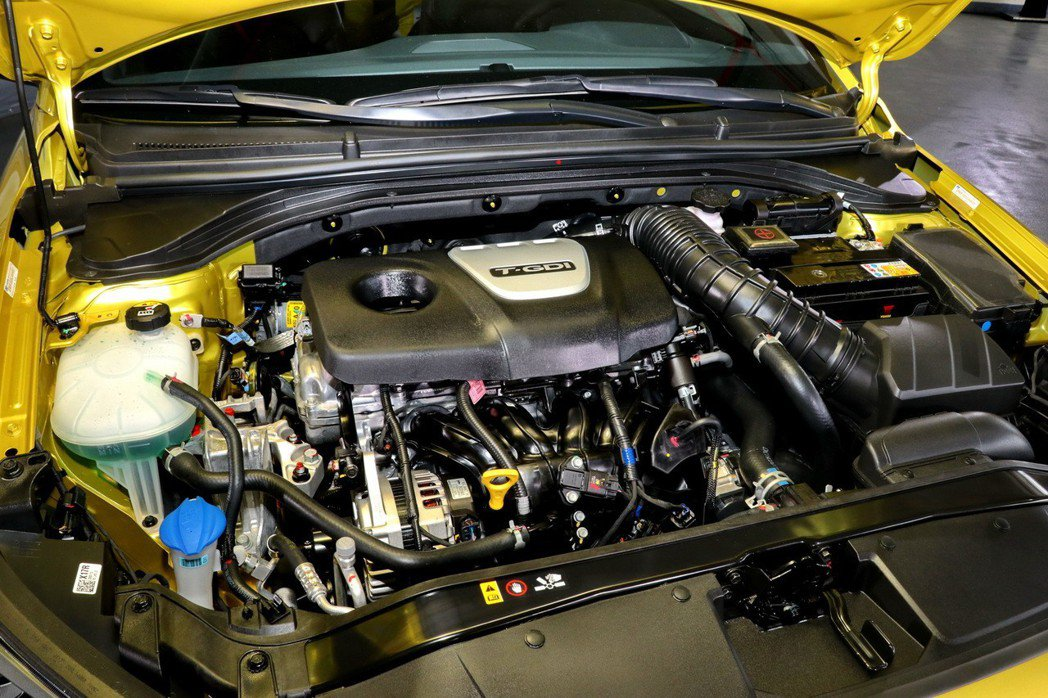 1.6L四缸引擎透過高效能渦輪增壓系統、GDi燃油缸內直噴科技創造出204ps最...