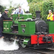 有72年歷史的英國Dougal蒸汽火車頭從將遠度重洋,來台展示。圖/台糖提供