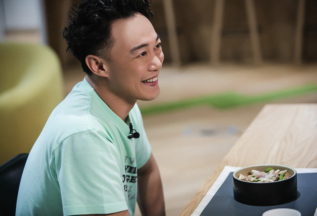 陳奕迅自曝只會為了吃排隊。圖/KKBOX提供